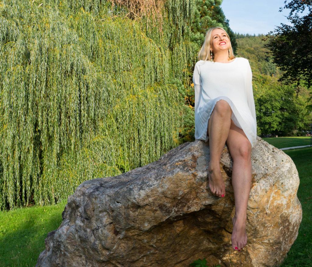 Katharina auf Felsen